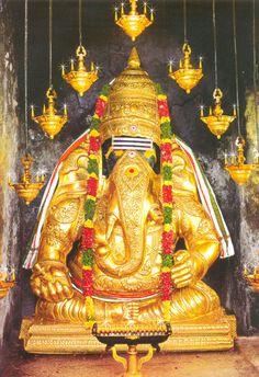 Hindu God Lord Shri Ganesha has several names. He is also known as Vinayaka, Ganapathi etc. Those who worship Bhagwan Sri Ganesha can overcome all difficulties. Ganesh Lord, Lord Shiva, Lord Murugan Wallpapers, Ganesh Wallpaper, Lord Balaji, Shree Ganesh, Ganesha Painting, God Pictures, Indian Gods