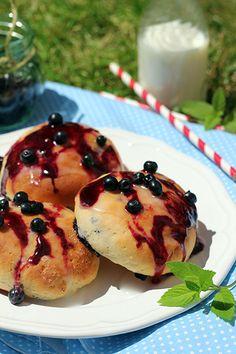 Jagodzianki serowe - idealne na piknik Dessert Drinks, Cake Cookies, My Recipes, Pancakes, Breakfast, Food, Eten, Morning Coffee, Meals