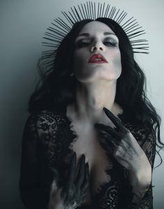 Gothic Photography, Water Photography, Photography Poses, High Fantasy, Dark Fantasy Art, Beautiful Dark Art, Fantasy Portraits, Dark Gothic, Grunge Girl