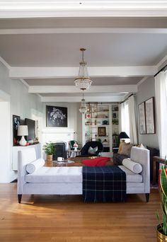 http://blog.arhaus.com/greenhaus/living-room-tour-behind-the-design-with-gwen-from-the-makerista/