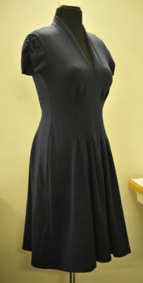 free sewing pattern.from papavero - little black knit dress. one piece with darts for shaping middle