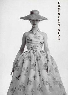 Dress by Christian Dior, L'offciel, 1956.