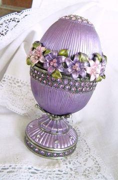 queenbee1924:  (via Vintage Music Box Faberge Egg | Faberge ~Cloisonne ~Enamel | Pinterest)