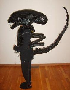 Giger-Inspired Alien Costume: 5 Steps (with Pictures) Mens Alien Costume, Alien Movie Costume, Alien Vs Predator Costume, Xenomorph Costume, Alien Costumes, Alien Cosplay, Alien Halloween, Creative Halloween Costumes, Halloween Diy