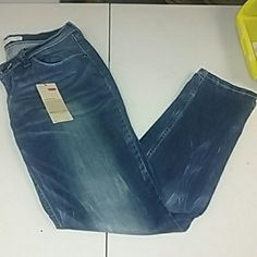 Price Cut❗NWT Levis Levis demi curved skinny jeans Levi's Jeans Skinny