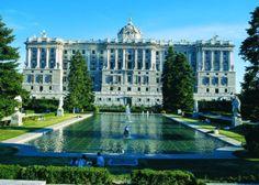Palacio de Oriente ( Madrid ) foto de: España cuánto te quiero ).