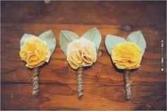 yellow groomsman boutonnieres | CHECK OUT MORE IDEAS AT WEDDINGPINS.NET | #bridesmaids