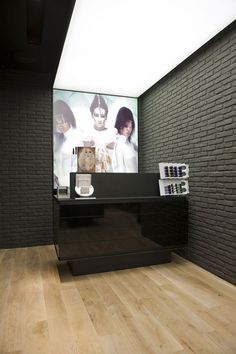 MAC Cosmetics store by Pinkeye Liege 05 MAC Cosmetics store by Pinkeye, Liège