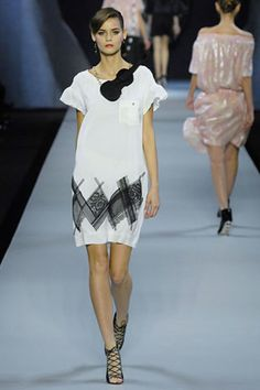 Flavia De Oliveira  For Viktor & Rolf Spring 2008 Ready-to-Wear Collection - Vogue