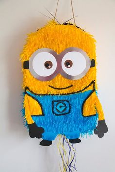 Discover recipes, home ideas, style inspiration and other ideas to try. Minion Party Games, Minion Party Decorations, Minion Party Favors, Minion Pinata, Minion Gifts, Minion Craft, Minion Birthday, Birthday Diy, Paper Mache Diy