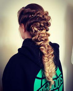 Twisted/fishtail mermaid braid
