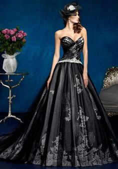 KITTYCHEN Couture black tulle lace wedding dress / http://www.himisspuff.com/black-wedding-dresses/6/