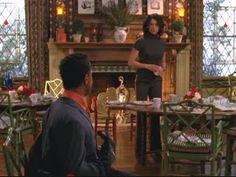 "A look behind the scenes at the sets and filming locations from ""Gilmore Girls,"" including Lorelai and Sookie's Dragonfly Inn in Stars Hollow. Gilmore Girls House, Gilmore Girls Netflix, Gilmore Girls Fashion, Lorelai Gilmore, Girlmore Girls, These Girls, Dragonfly Inn, Classic Dining Room, Stars Hollow"
