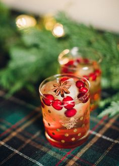 Perfect holiday cocktail: http://www.stylemepretty.com/living/2013/12/20/cranberry-bourbon-fizz/ | Photography: Bright to Light - http://www.bringtolightphotography.com/