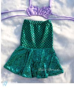 Listing is only for sequin shell top.  Mermaid skirt separately.