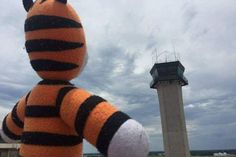Boy loses his stuffed tiger, airport crew returns him after adventure (6 Photos)
