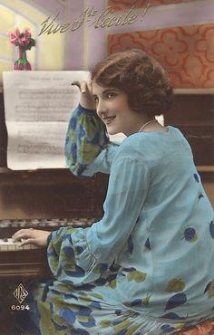 """Vintage Ladies Cabinet Cards (175)from vintageimages.org,,,""""Blue Skies"""""""