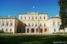 Pałac w Puławach (woj. lubelskie) był siedzibą ważnych rodów magnackich: Lubomirskich, Sieniawskich, a przede wszystkim Czartoryskich.  http://www.malopolska24.pl/index.php/2013/09/polskie-ateny-palac-czartoryskich-w-pulawach/