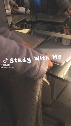 High School Life, Life Hacks For School, School Study Tips, Study Motivation Video, School Motivation, School Organization Notes, Study Organization, Back To University, School Routines