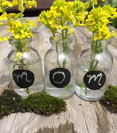 With a few of our bottles, some fresh flowers and a bit of chalkboard paint, you can create  personalized gifts for mom.