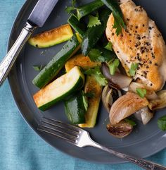 It only takes 5 ingredients (plus sea salt and pepper) and 30 minutes to create a home-made roasted chicken dinner for Phase 3 of the Fast Metabolism Diet, or for H-Burn in The Burn. We just love these simple and flavorful weeknight recipes. There's only a small amount of oil in this recipe, so add […]