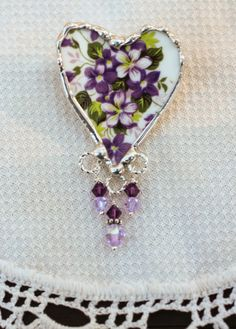 Broken China Jewelry Heart Brooch Pin Queen by Robinsnestcreation1, $34.95