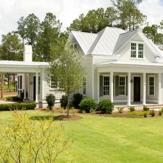 Farmhouse Exterior Design Ideas, Pictures, Remodel and Decor