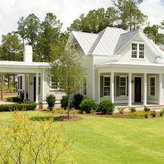 Farmhouse Exterior Design Ideas, Pictures, Remodel and Decor