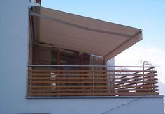 Copertine pentru terase, balcon, piscine, restaurante, hoteluri, copertine retractabile la un pret excelent. Copertine cu brate pentru balcoane.