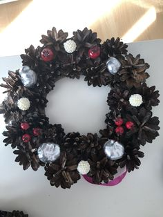 Christmas Wreaths, Halloween, Holiday Decor, Home Decor, Decoration Home, Room Decor, Interior Design, Halloween Stuff, Home Interiors