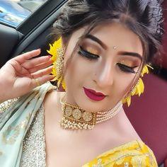 Pakistani Bridal Hairstyles, Bridal Hairstyle Indian Wedding, Pakistani Bridal Makeup, Indian Bridal Fashion, Indian Fashion Dresses, Bridal Wedding Dresses, Bride Eye Makeup, Bridal Makeup Looks, Loose Curls Hairstyles