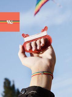 A Savona, nel week end del 7 e 8 ottobre, decine di aquiloni di ogni forma e colore, dall'Italia e dall'estero, hanno volato sopra la testa del monumento di Garibaldi, nell'omonimo piazzale del Prolungamento, per la causa della pace!    #aquilone #kite #pace  http://www.amisjewels.it/product/kite/    #amis #amisjewels #braccialetto #cuoio #argento   http://www.amisjewels.it/