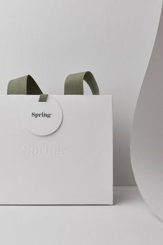 Clothing Packaging, Jewelry Packaging, Clothing Branding, Fashion Packaging, Bag Packaging, Paper Packaging, Packaging Ideas, Retail Packaging, Paper Bag Design