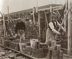construction worker in 1925