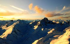 Free HD mountain wallpapers for desktop and mobile device with many different resolutions.