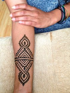 - henna and Jagua - - henna and Jagua -You can find Psychedelic and more on our website. - henna and Jagua - - henna and Jagua - Henna Designs Arm, Pretty Henna Designs, Henna Tattoo Designs Simple, Mandala Tattoo Design, Simple Henna Art, Henna Tattoo Hand, Cute Henna Tattoos, Wrist Henna, Hand Tattoos