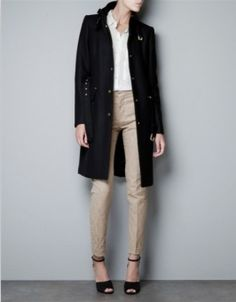 Black coat and nude colors. PURE LOVE! :)