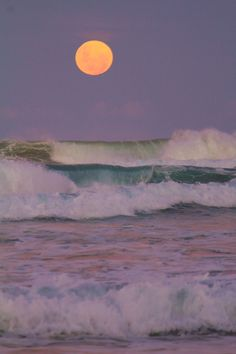 Ocean Waves & A Full Moon in the Sky Nature Aesthetic, Beach Aesthetic, Summer Aesthetic, Aesthetic Collage, Aesthetic Photo, Aesthetic Pictures, Aesthetic Painting, Aesthetic Outfit, Aesthetic Dark