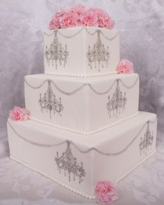 Look at this cake!  I think this woudl also be pretty for a little girls' birthday cake!!!