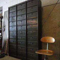 17 Kleppenkast + industrieel + retro en vintage design meubels More