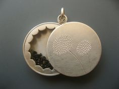 Locket Sterling silver with mineral glass, diameter 22mm, 5,5mm high, design dandelion, filled with forget-me-not-seeds