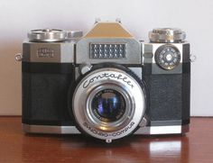 Beautiful German made 35mm Zeiss Ikon Contaflex  camera with leather case.  This camera is being sold for display only.    I was unable to get the