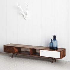 1000 images about lounge on pinterest tv units for Kleines sideboard