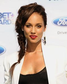 Can't get enough of Alicia Keys's fishtail braid and red lip