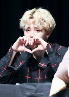 [Picture/Fansitesnap] BTS 'LOVE YOURSELF 承 Her' Fansign (Seocho) [171007]