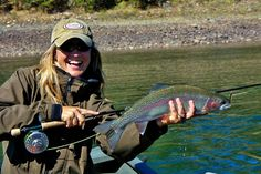 Guide and lodge owner Jennifer Mitchell with a beautiful Oregon Rainbow. Fly Fishing Girls, Fly Fishing Net, Women Fishing, Crappie Fishing, Carp Fishing, Best Fishing, Saltwater Fishing, Kayak Fishing, Fishing Tips