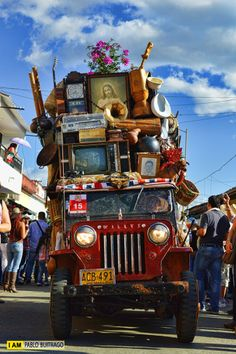 The Yipao parade in Colombia is one of the biggest and most folkloric fiestas in the country! You won't believe how much can fit on a small jeep.   100% CULTURA