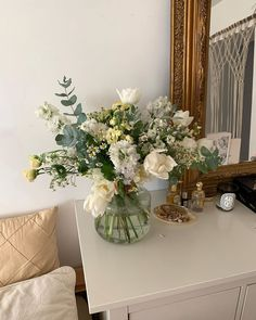 Flower Aesthetic, White Aesthetic, Bedside Table Decor, Home Room Design, Space Interiors, Home Interior, Interior Design, No Rain No Flowers, Home Decor Accessories
