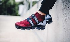 Release Date : July 12, 2018 Air Vapormax Flyknit Utility Burgundy / Blue Credit : 43einhalb — #nike #airmax #vapormax #sneakerhead #sneakersaddict #sneakers #kicks #footwear #shoes #fashion #style Boy Shoes, Nike Shoes, Nike Basketball Shoes, Latest Sneakers, Men's Sneakers, Mens Trainers, Nike Air Vapormax, Footwear Shoes, Nike Flyknit, Soccer Shoes, Slippers, Tennis, Athletic Wear, Sports, Over Knee Socks, Accessories, Fashion