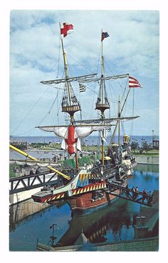 "Postcard: THE ""GOLDEN HIND"" Southend On Sea Essex 